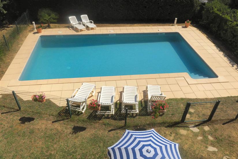 La piscine de ce g te est uniquement pour le locataire for Entretien exterieur locataire